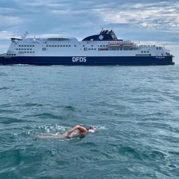 Deirdre Newell swimming The Channel