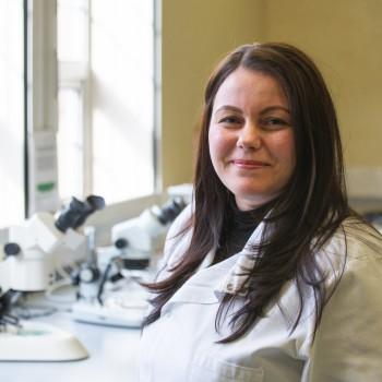 Student Mariann Biro in a biology lab