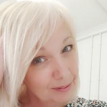 Debbie profile photo