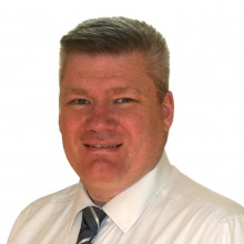 Dr Jamers Holt