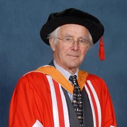 alumni Duncan Shaw MBE