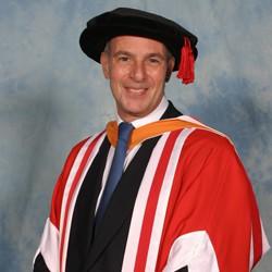 alumni  Loyd Grossman CBE FSA
